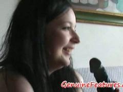 Cameragirl finger fucks gf's vagina